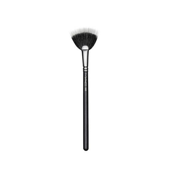 MAC Cosmetics Duo Fibre Fan